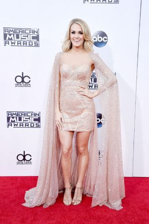 carrie-underwood-ama-2015-h724