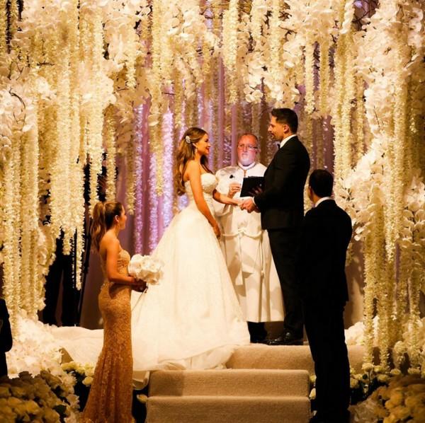 sofia-vergara-weds-joe-manganiello-striking-ceremony-in-florida