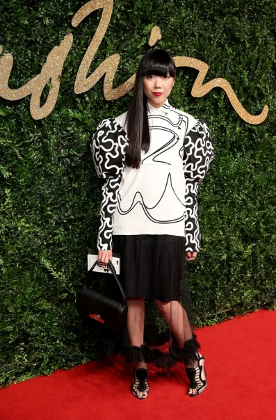 susanna-lau-british-fashion-awards-2015-white-sweater