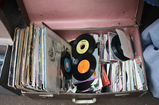 records-143468_960_720