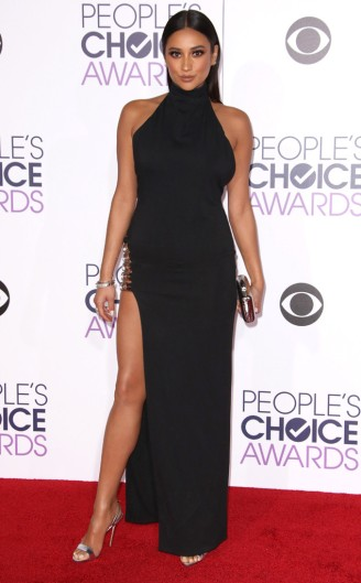 rs_634x1024-160106173447-634-shay-mitchell-peoples-choice-awards