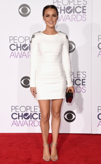 rs_634x1024-160106174911-634-camilla-luddington-peoples-choice-awards-ls-1616